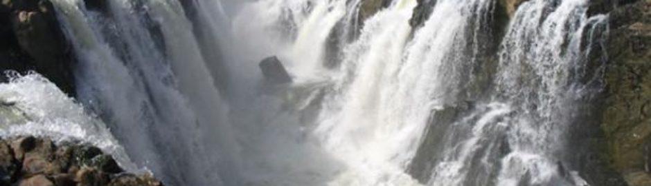 theebeauties-hogenakkal-Falls